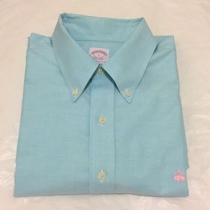 Brooks Brothers Button Down Long Sleeves Shirt L